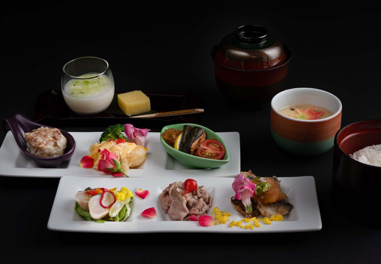 レストラン「彩-irodori-」